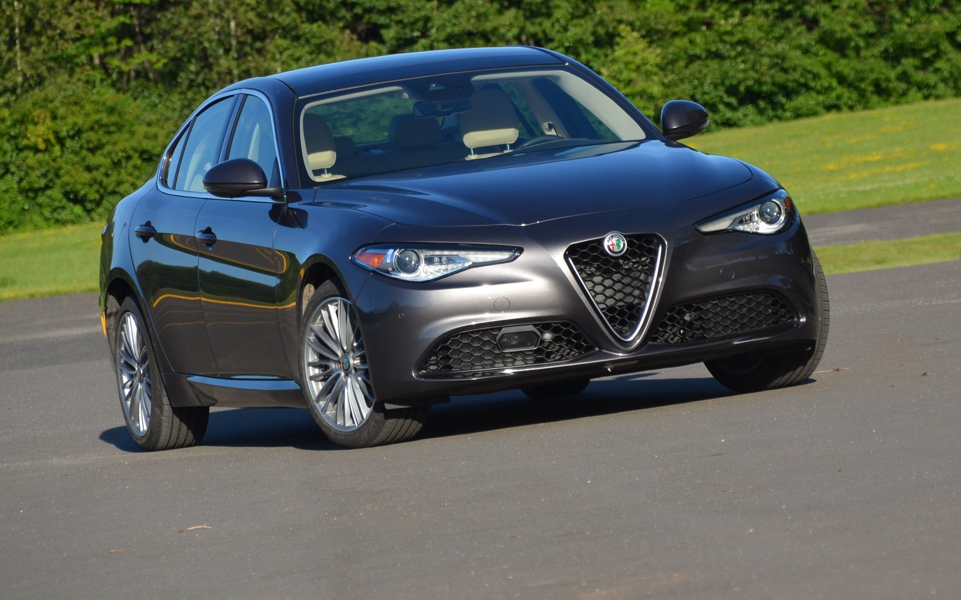 L'avant d'une Alfa Romeo est toujours distinctif!