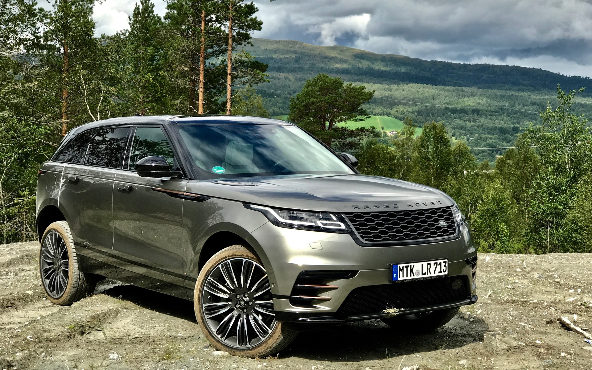 Land Rover Velar >> 2018 Range Rover Velar: A Distinguished Off-roader - 2/34