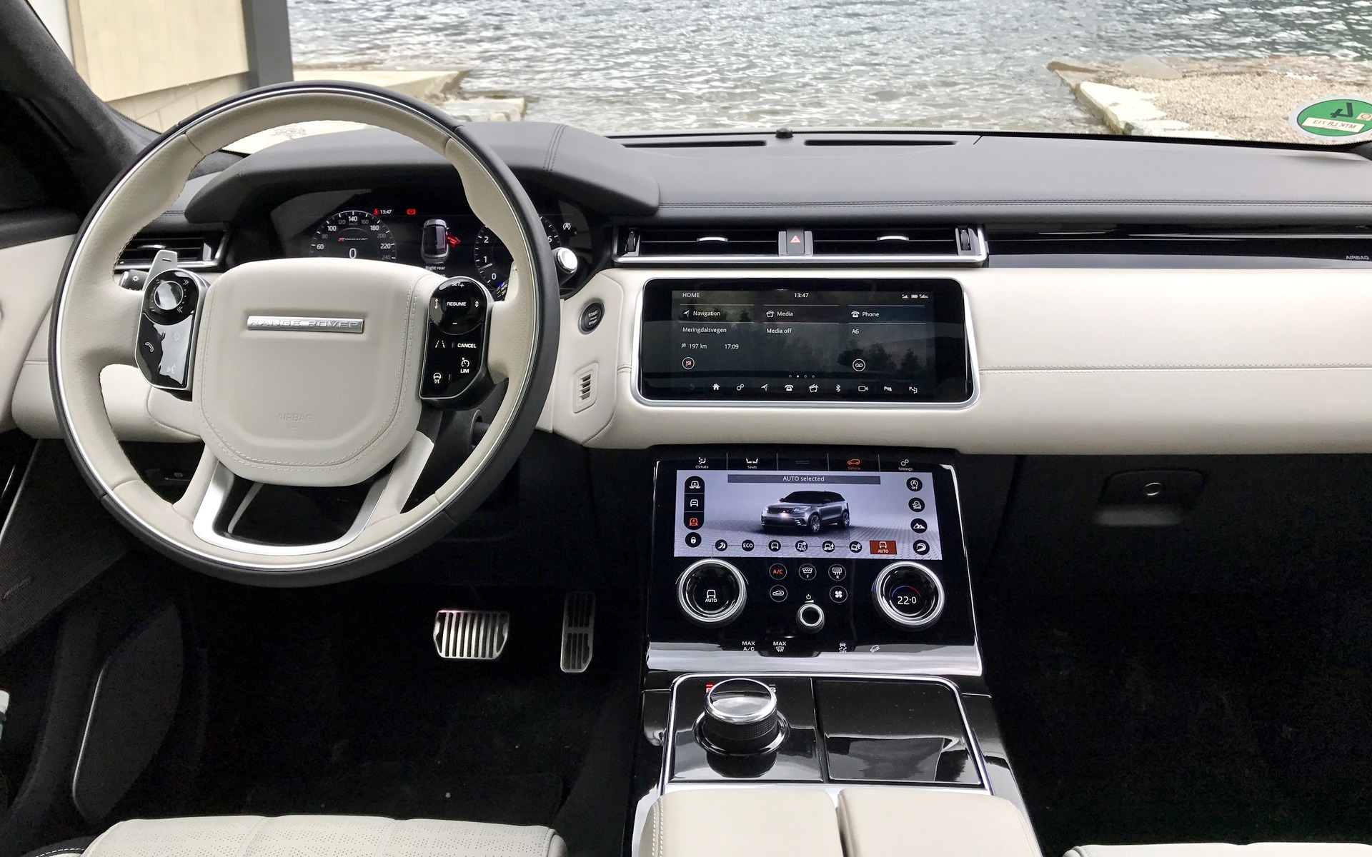 Reviews Of Range Rover >> 2018 Range Rover Velar: A Distinguished Off-roader - 3/34