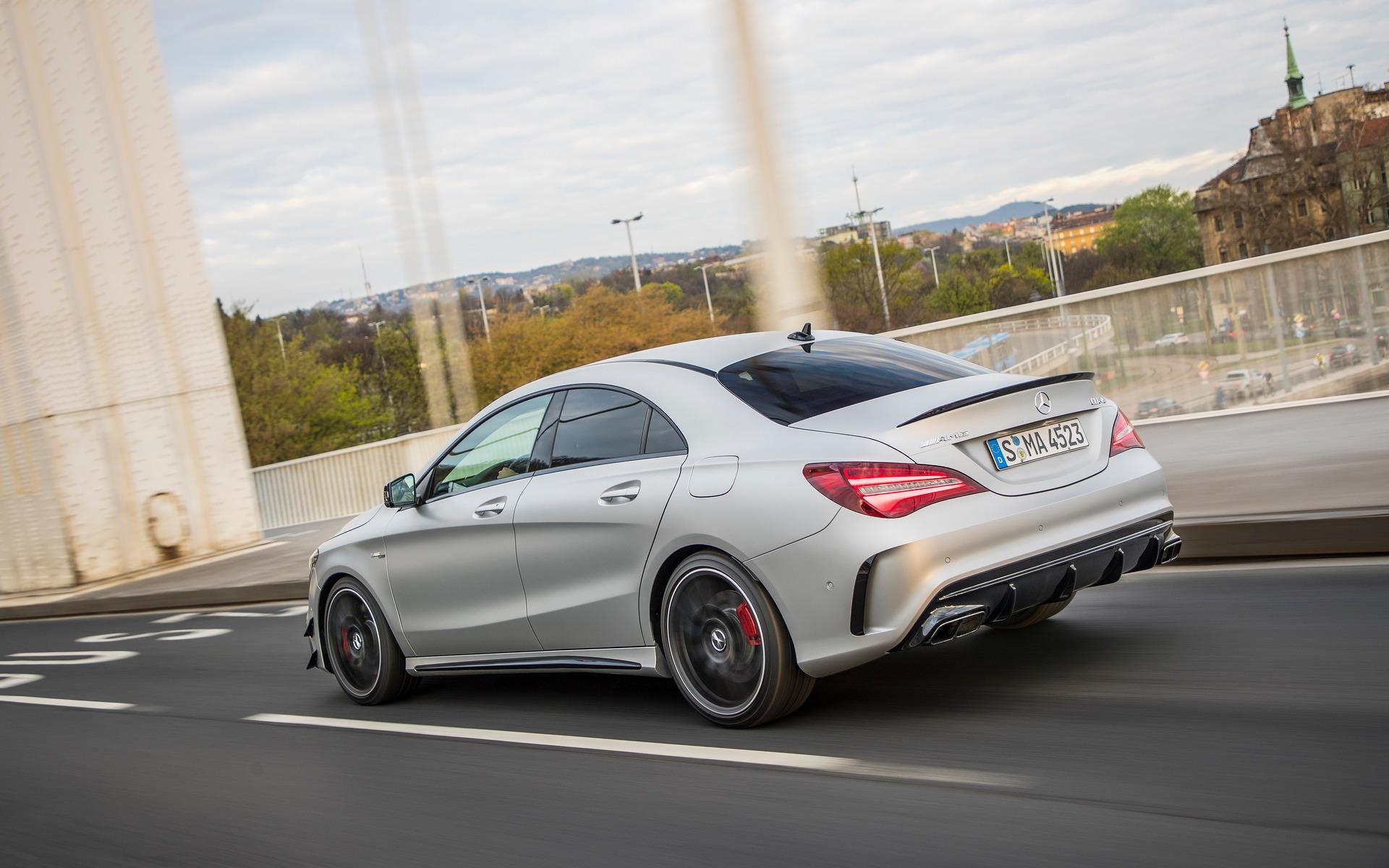 Les nouvelles mercedes benz car2go font leur entr e for Mercedes benz montreal