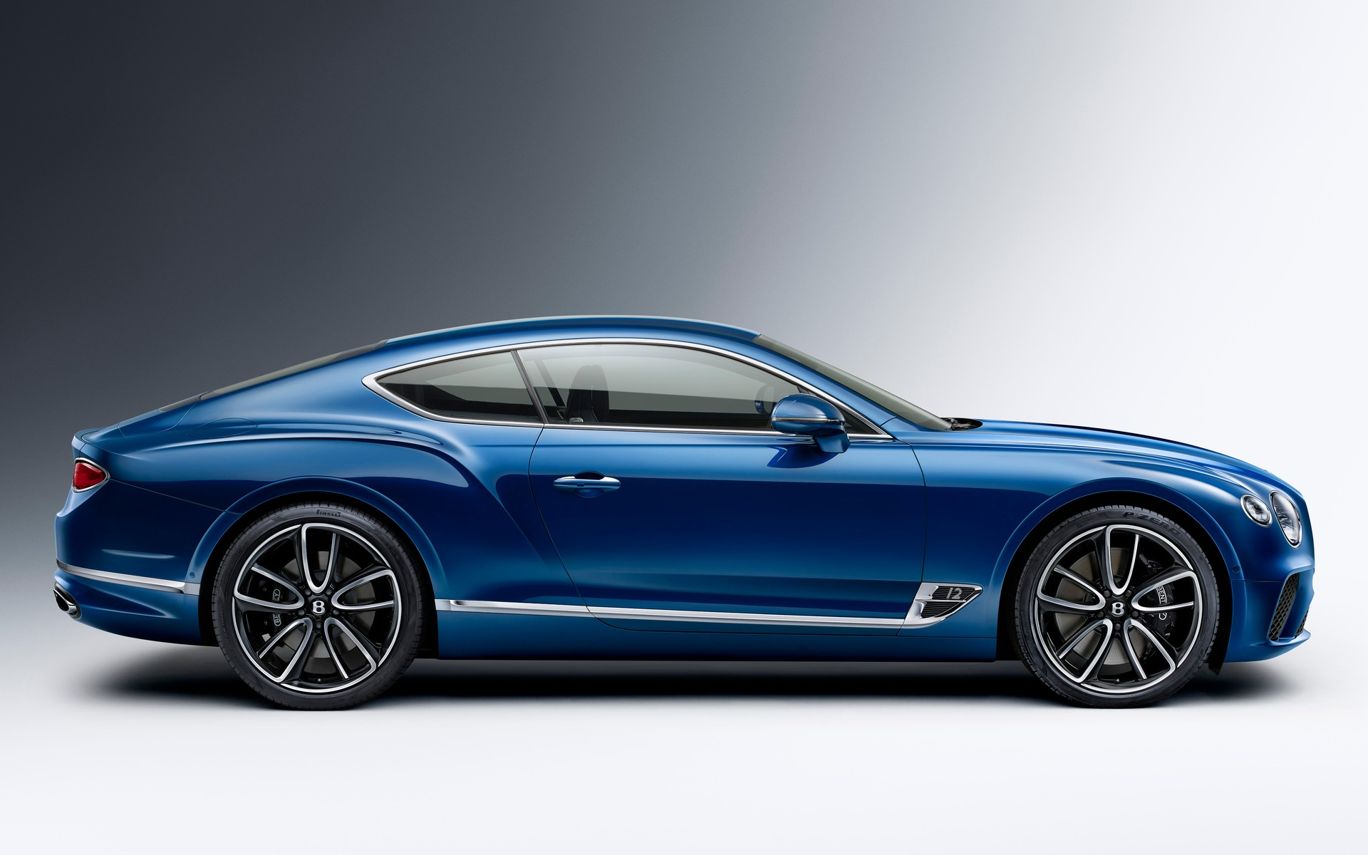 2018 bentley continental gt revealed 29 36. Black Bedroom Furniture Sets. Home Design Ideas