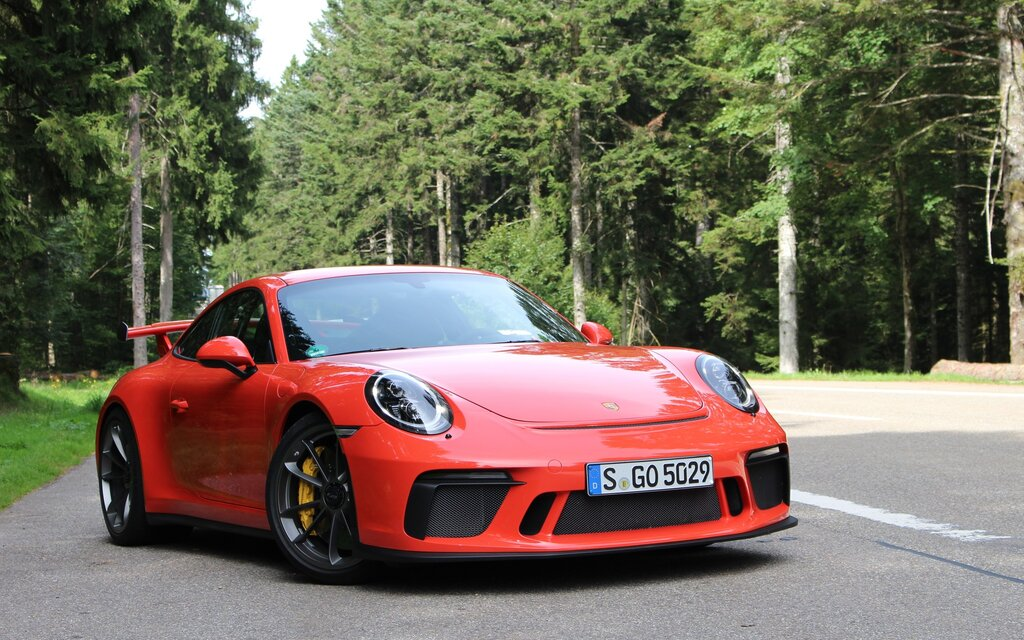 2018 porsche 911 gt3 you magnificent beast you the car guide. Black Bedroom Furniture Sets. Home Design Ideas