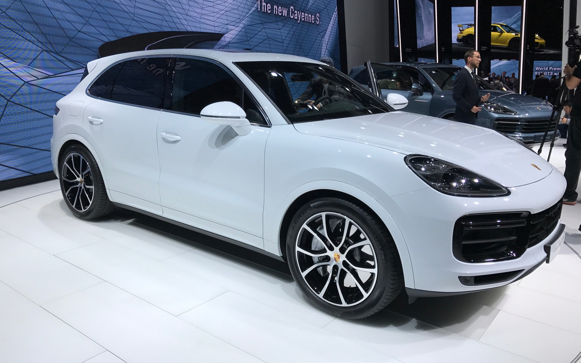 550 chevaux voici le nouveau porsche cayenne turbo 2019 guide auto. Black Bedroom Furniture Sets. Home Design Ideas