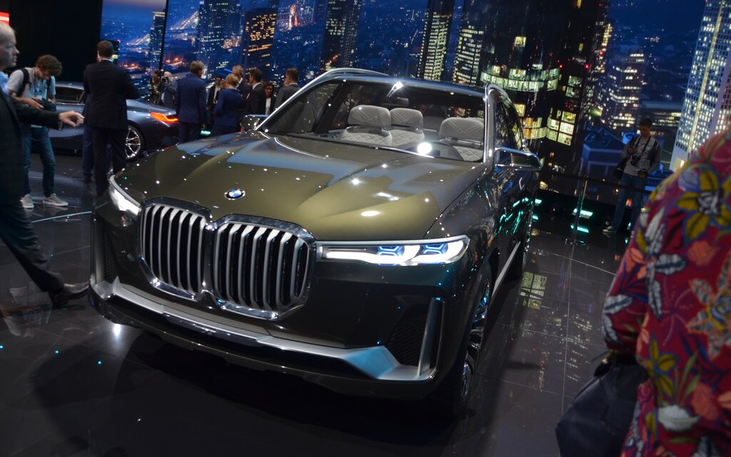 Bmw Concept X7 Iperformance A First Ever Suv From Bmw I 2 13