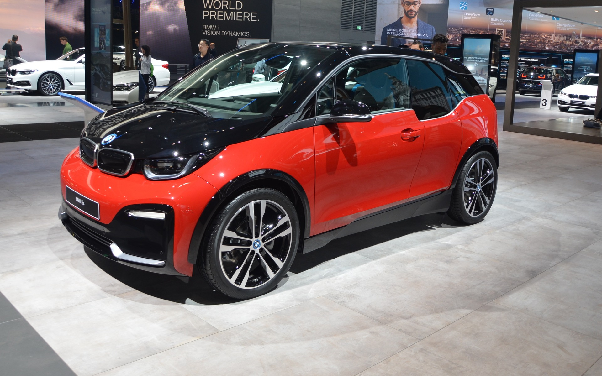 bmw i3 et i3s 2018 toujours aussi excentrique guide auto. Black Bedroom Furniture Sets. Home Design Ideas