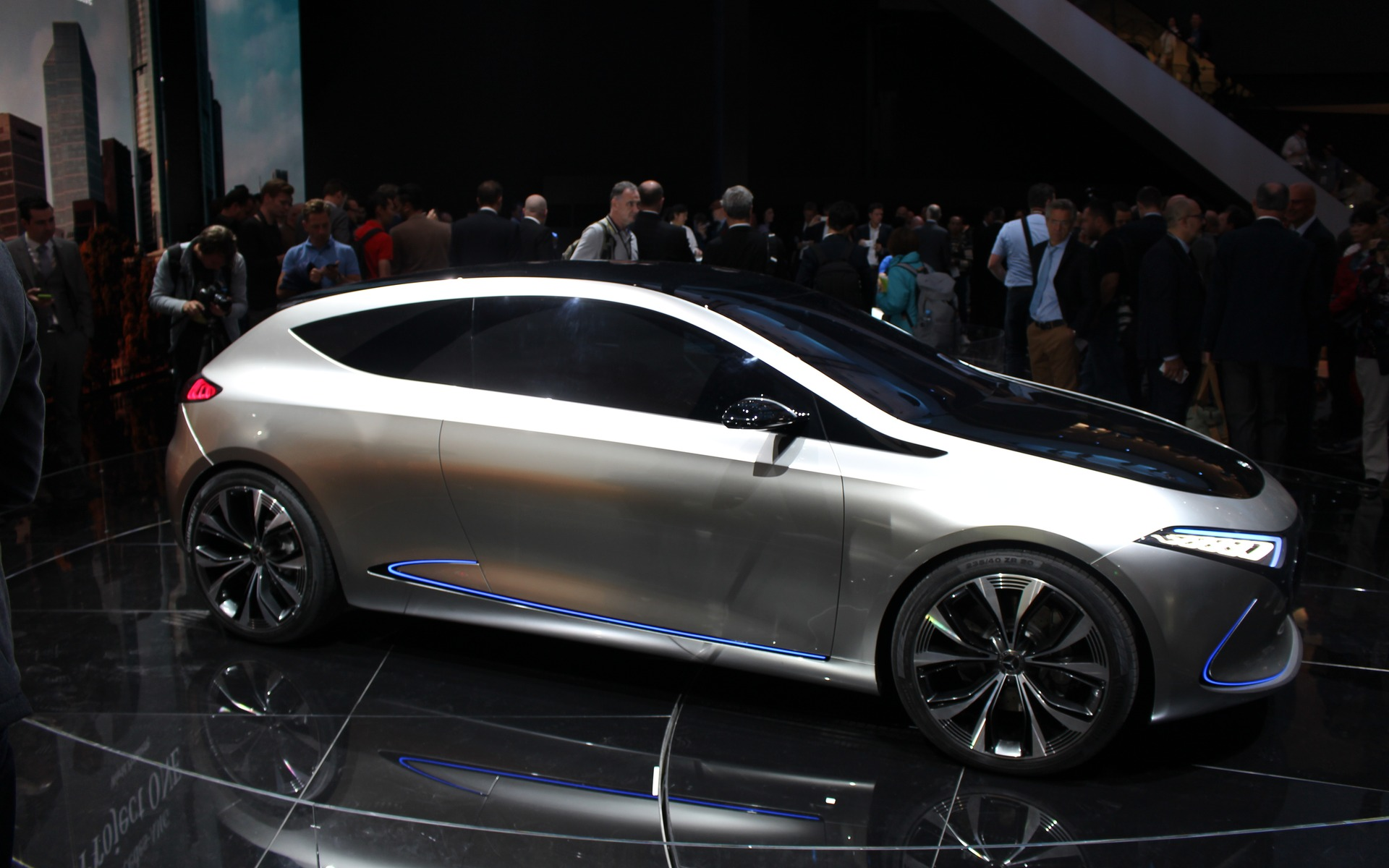 Mercedes-Benz Concept EQA: World Debut in Frankfurt - 10/10