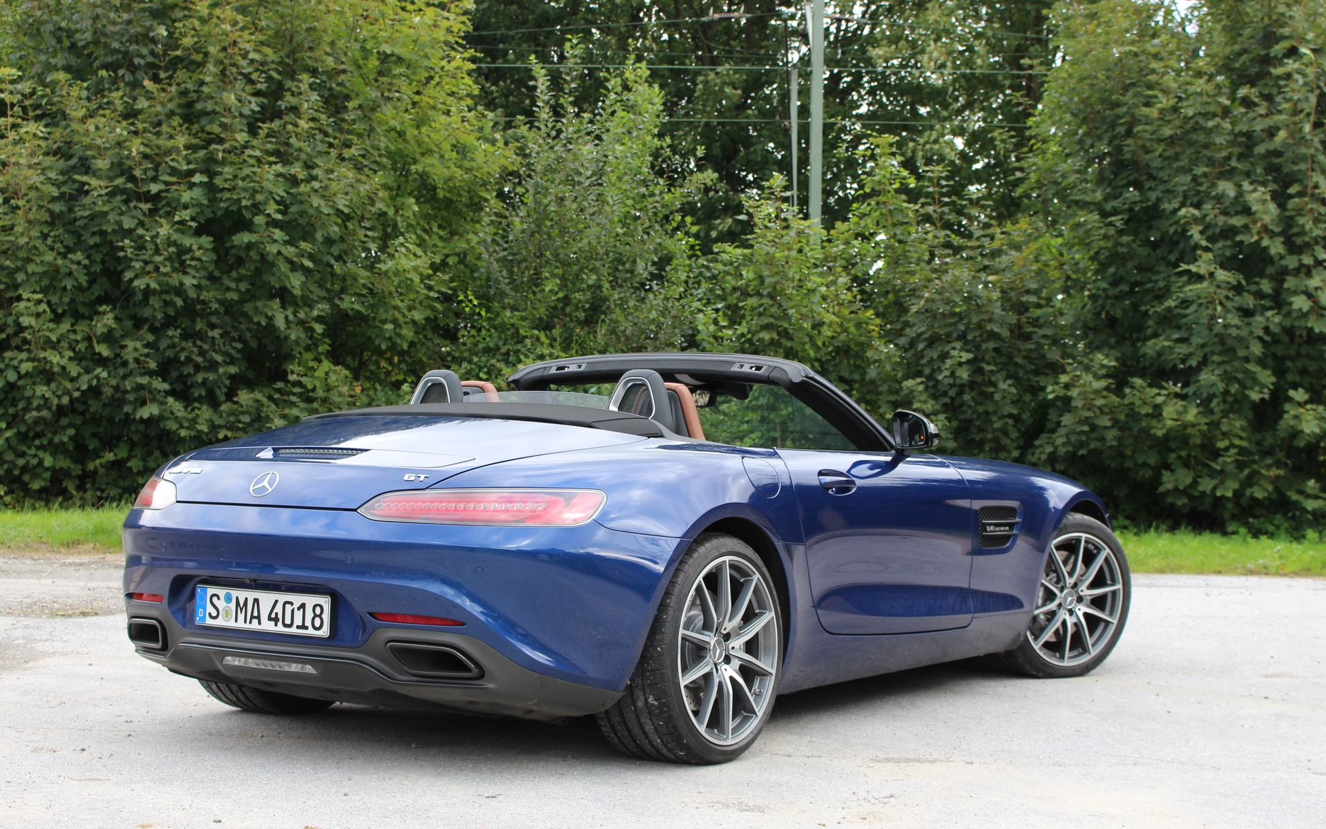 <p>Mercedes-AMG GT Roadster 2018</p>