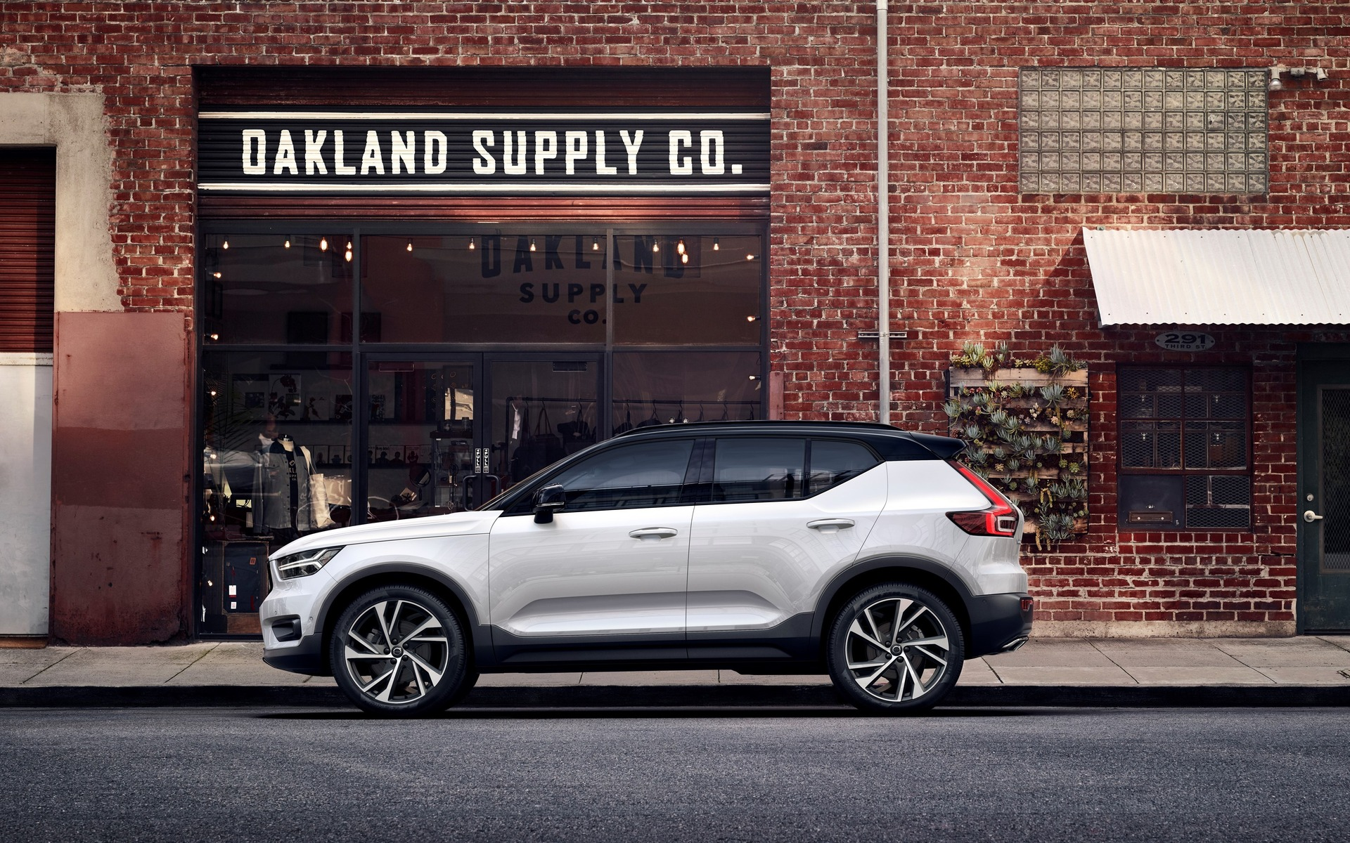 World Debut Of The 2019 Volvo Xc40 The Car Guide