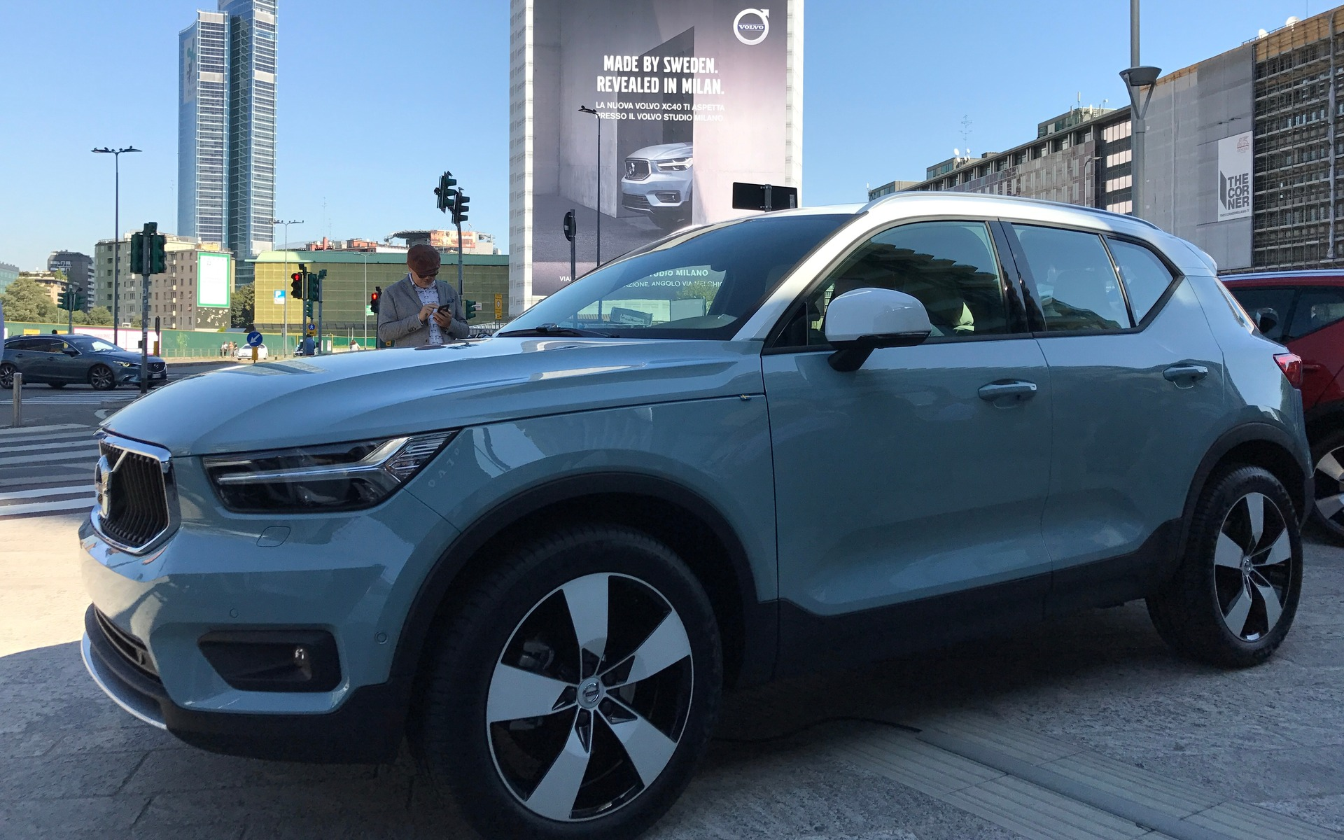 world debut of the 2019 volvo xc40 the car guide. Black Bedroom Furniture Sets. Home Design Ideas