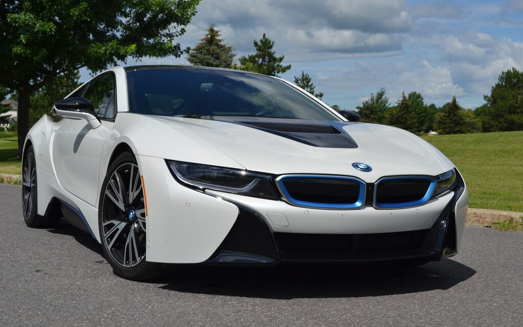 bmw i8 2017 le futur maintenant guide auto. Black Bedroom Furniture Sets. Home Design Ideas