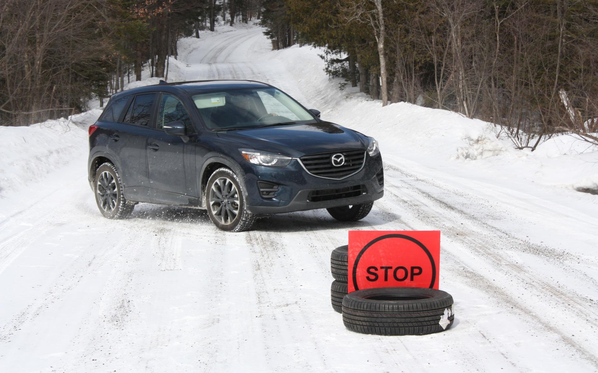 top 10 des pneus d 39 hiver pour vus compacts guide auto. Black Bedroom Furniture Sets. Home Design Ideas