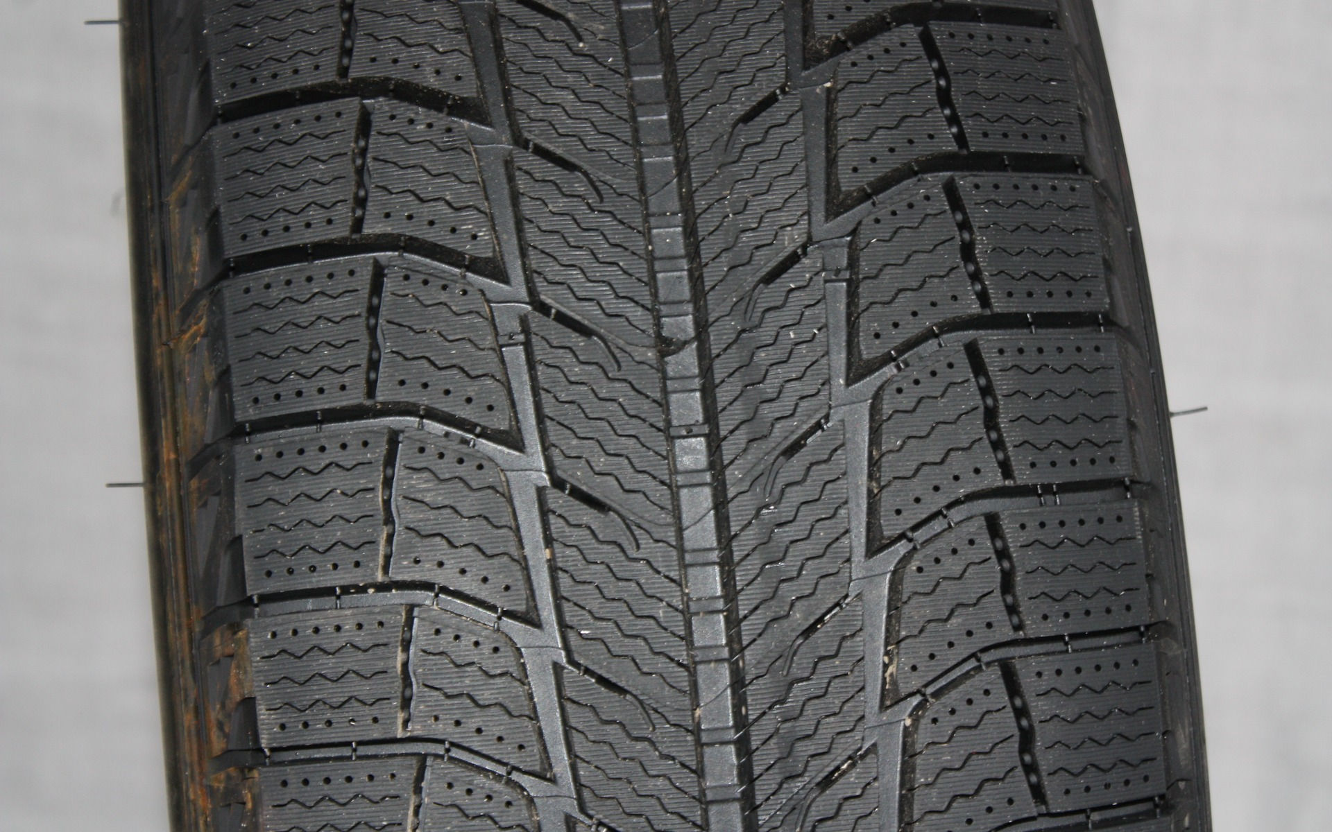 <p>Michelin Latitude X-Ice Xi2</p>