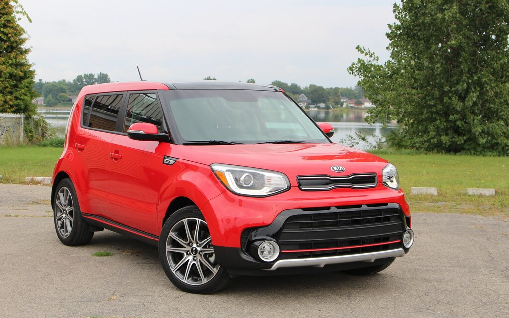 kia soul sx 2017 le turbo facultatif guide auto. Black Bedroom Furniture Sets. Home Design Ideas