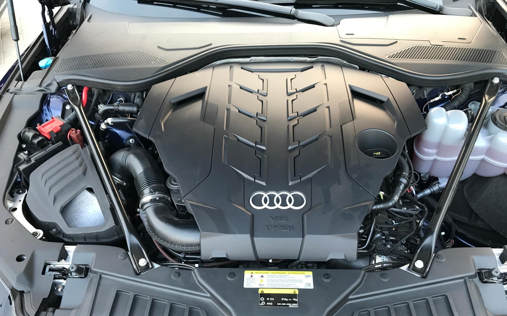 <p>Audi A82019 - Moteur V8 biturbo de 4,0 litres de la A8 60 TFSI.</p>