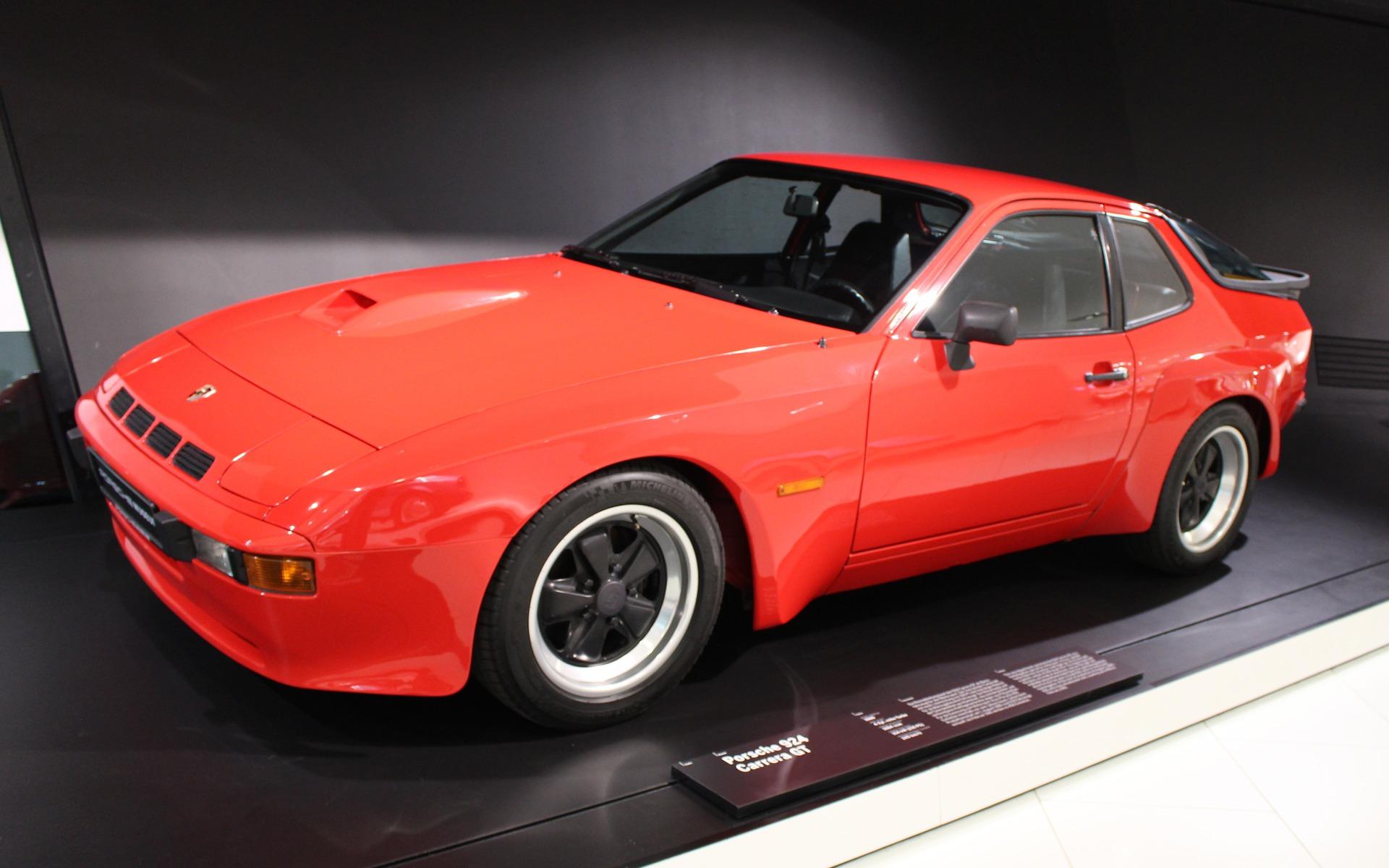 Dealers Cars Com >> Porsche Museum: The Road Cars - 33/50