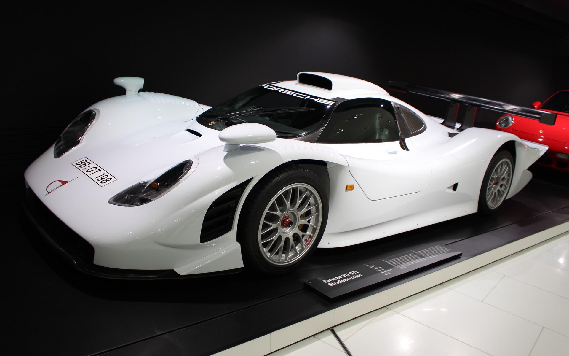 311746_Musee_Porsche_les_voitures_de_route Terrific Porsche 911 Gt1 98 Road Car Cars Trend