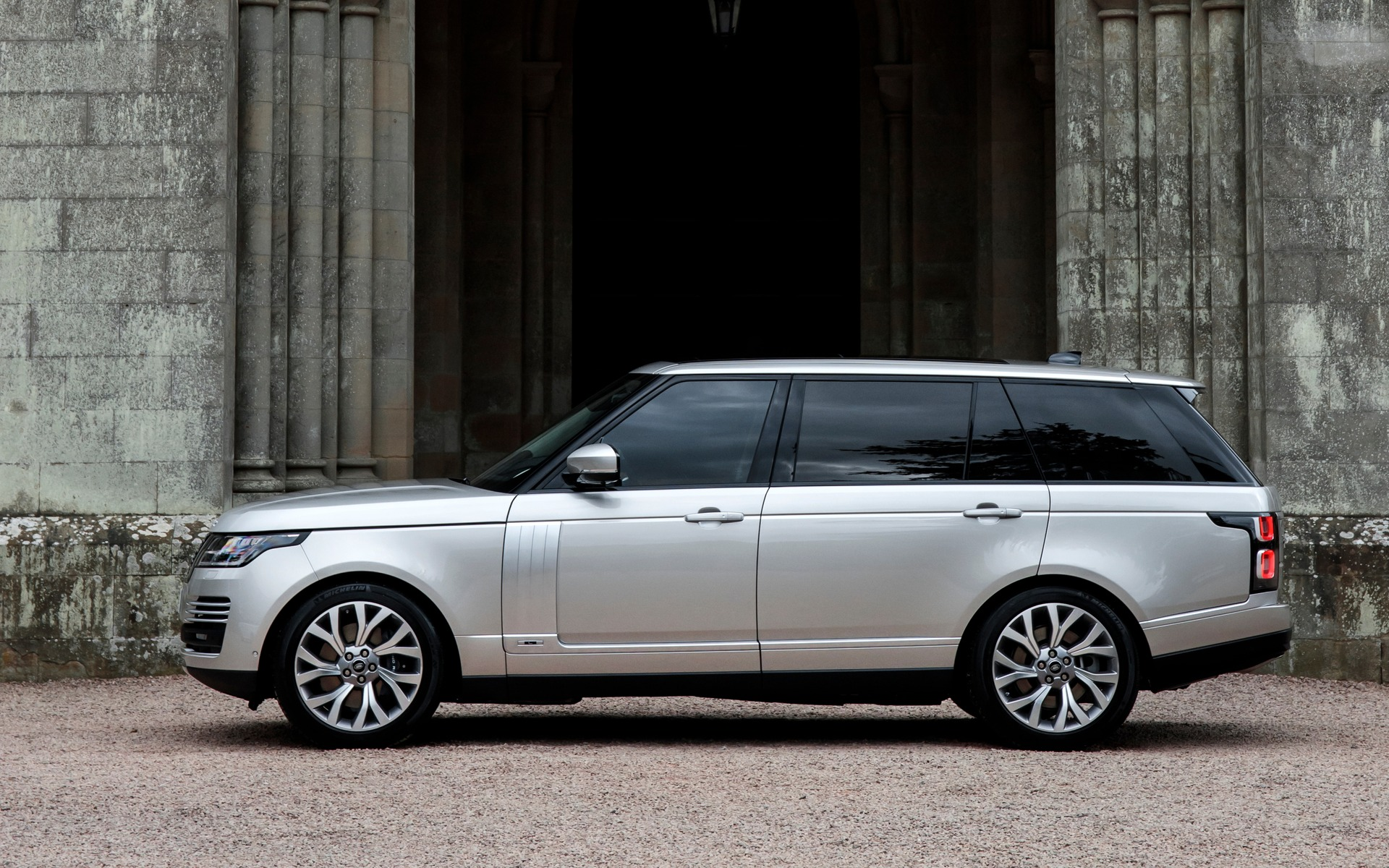 Land Rover Dealers >> Range Rover: Improvements for 2018, a Plug-in Hybrid Version for 2019 - 21/63