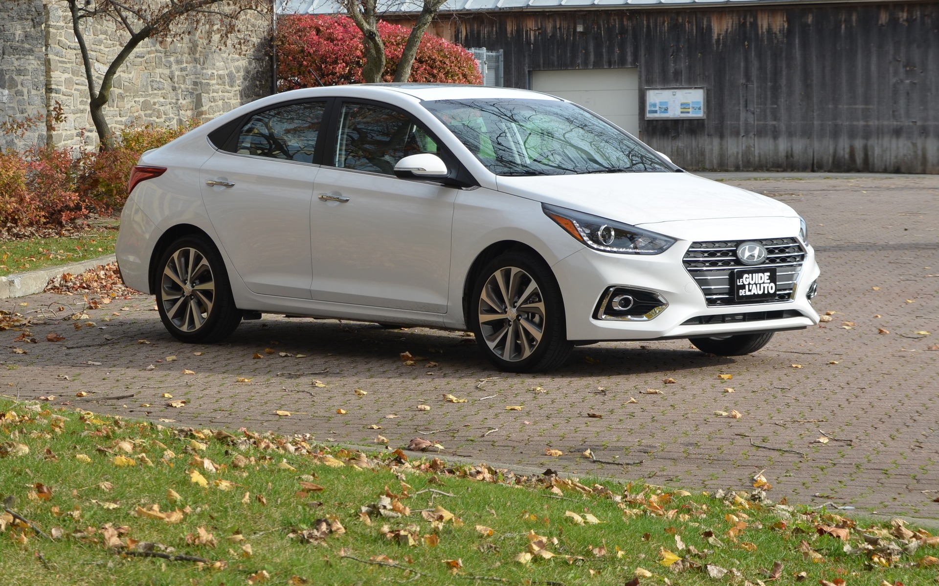 2018 hyundai accent a mini elantra that s subcompact to the max the car guide. Black Bedroom Furniture Sets. Home Design Ideas