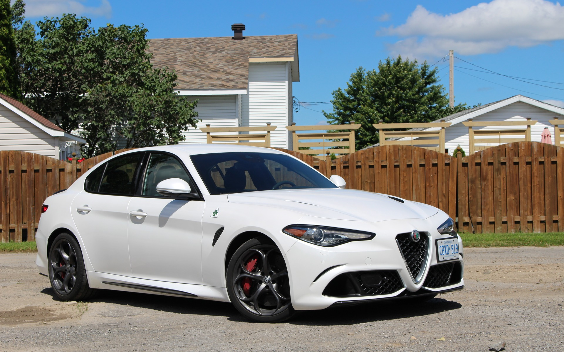 2017 alfa romeo giulia quadrifoglio love at first sight the car guide. Black Bedroom Furniture Sets. Home Design Ideas