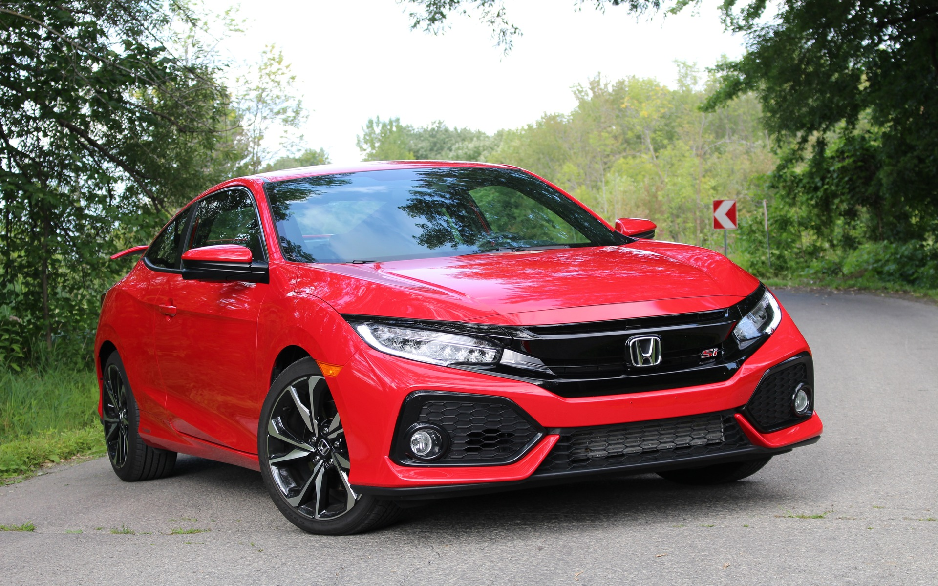 2017 Honda Civic Si Hasn T Lost Its Charm The Car Guide