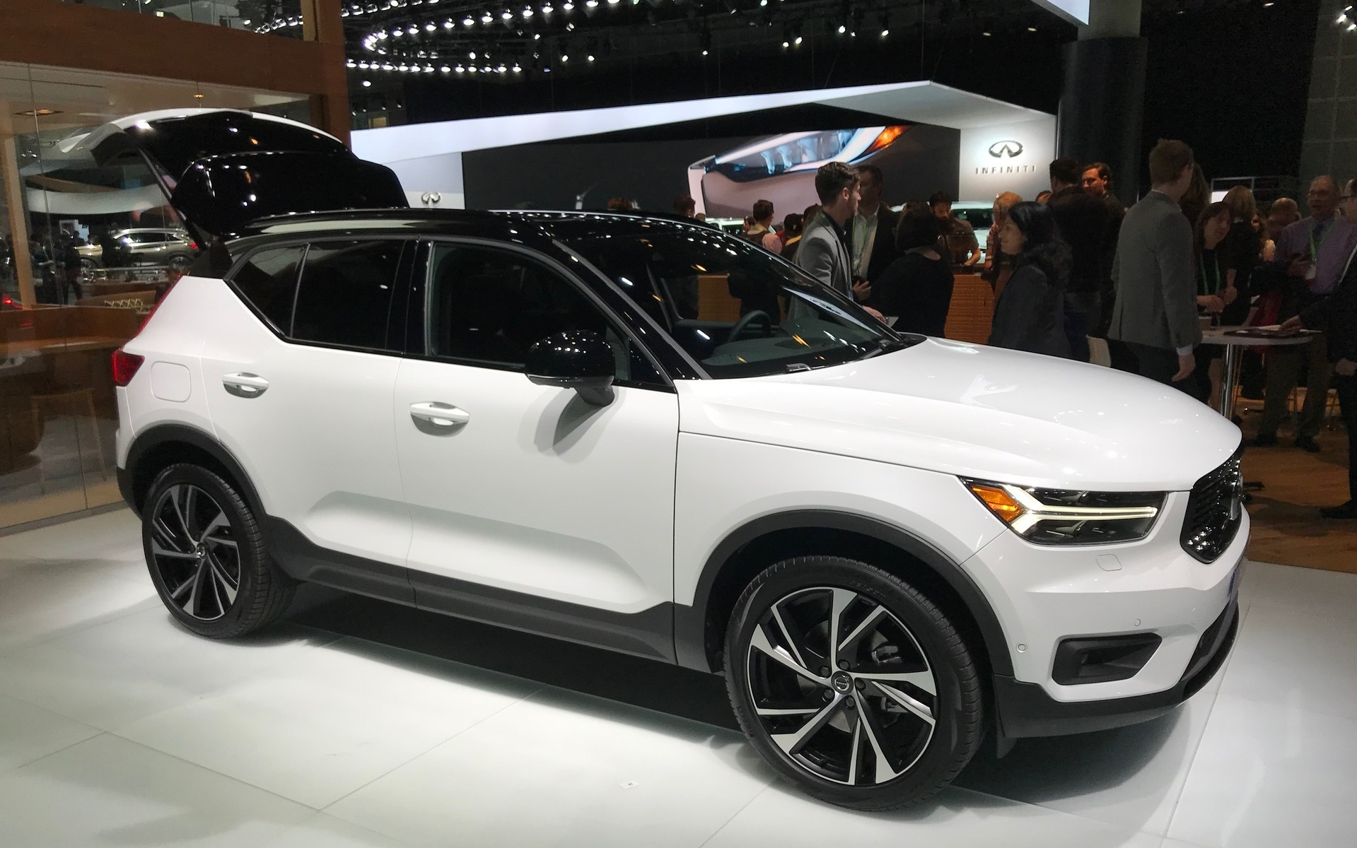 volvo xc 40 reviews autos post. Black Bedroom Furniture Sets. Home Design Ideas