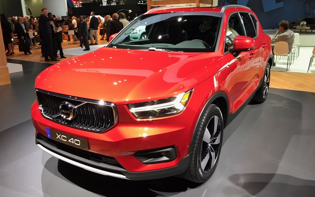 the 2019 volvo xc40 on display in los angeles 2 39. Black Bedroom Furniture Sets. Home Design Ideas
