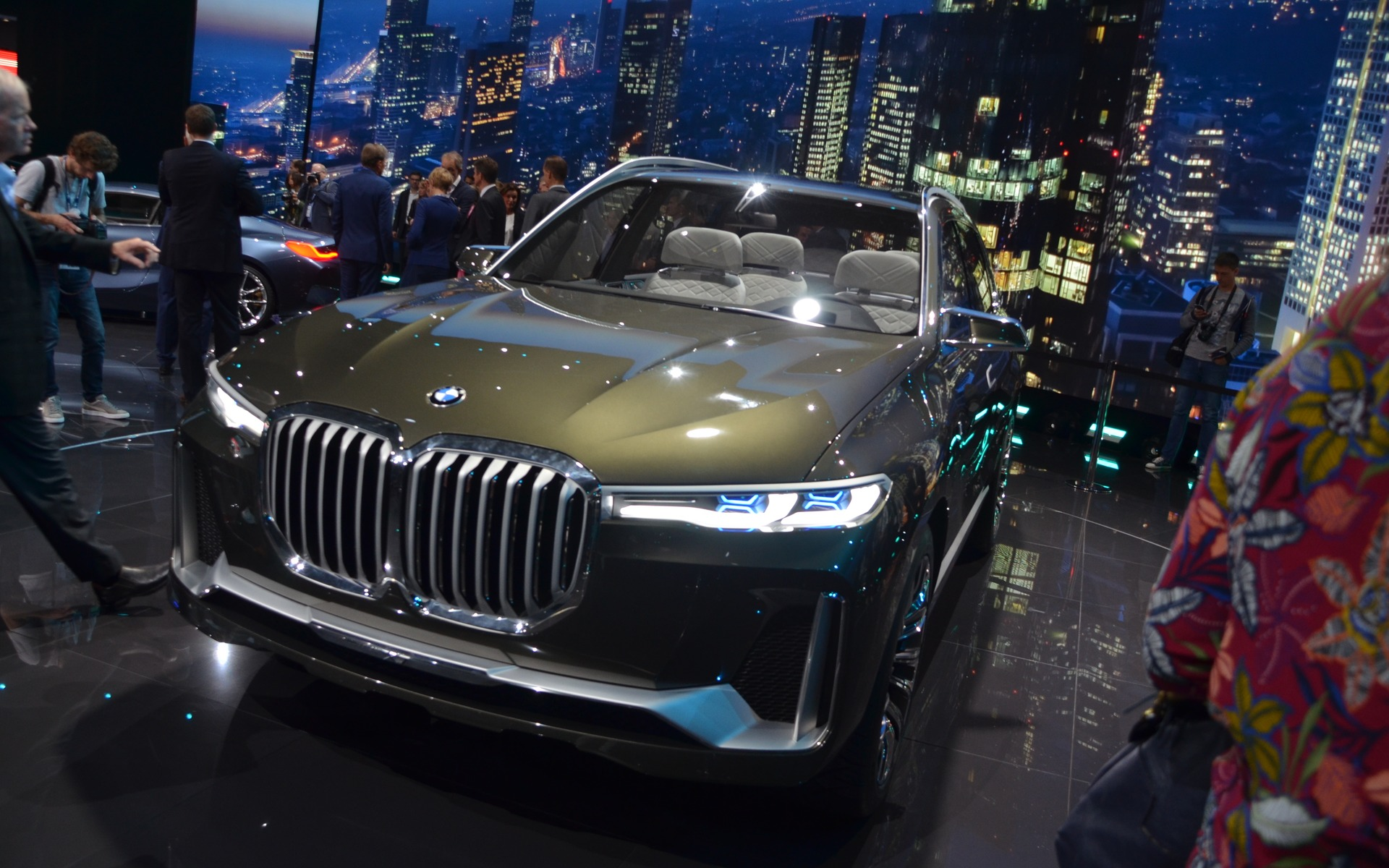 Bmw Introduces The X7 Iperformance Concept A Luxury Hybrid Suv
