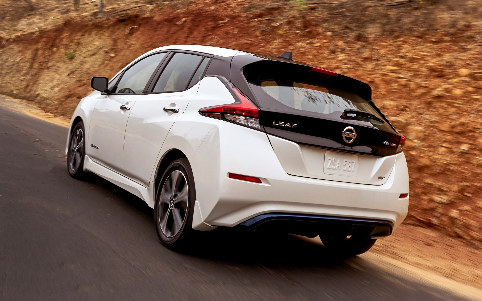nissan leaf 2018 elle arrive en janvier guide auto. Black Bedroom Furniture Sets. Home Design Ideas
