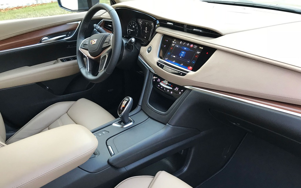 <p>2018 Cadillac XT5</p>