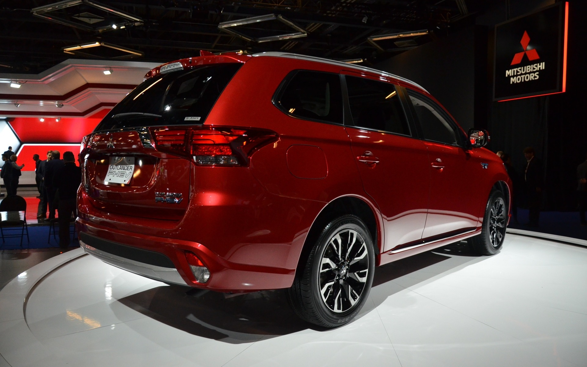 Canadian Premiere: 2018 Mitsubishi Outlander PHEV is the