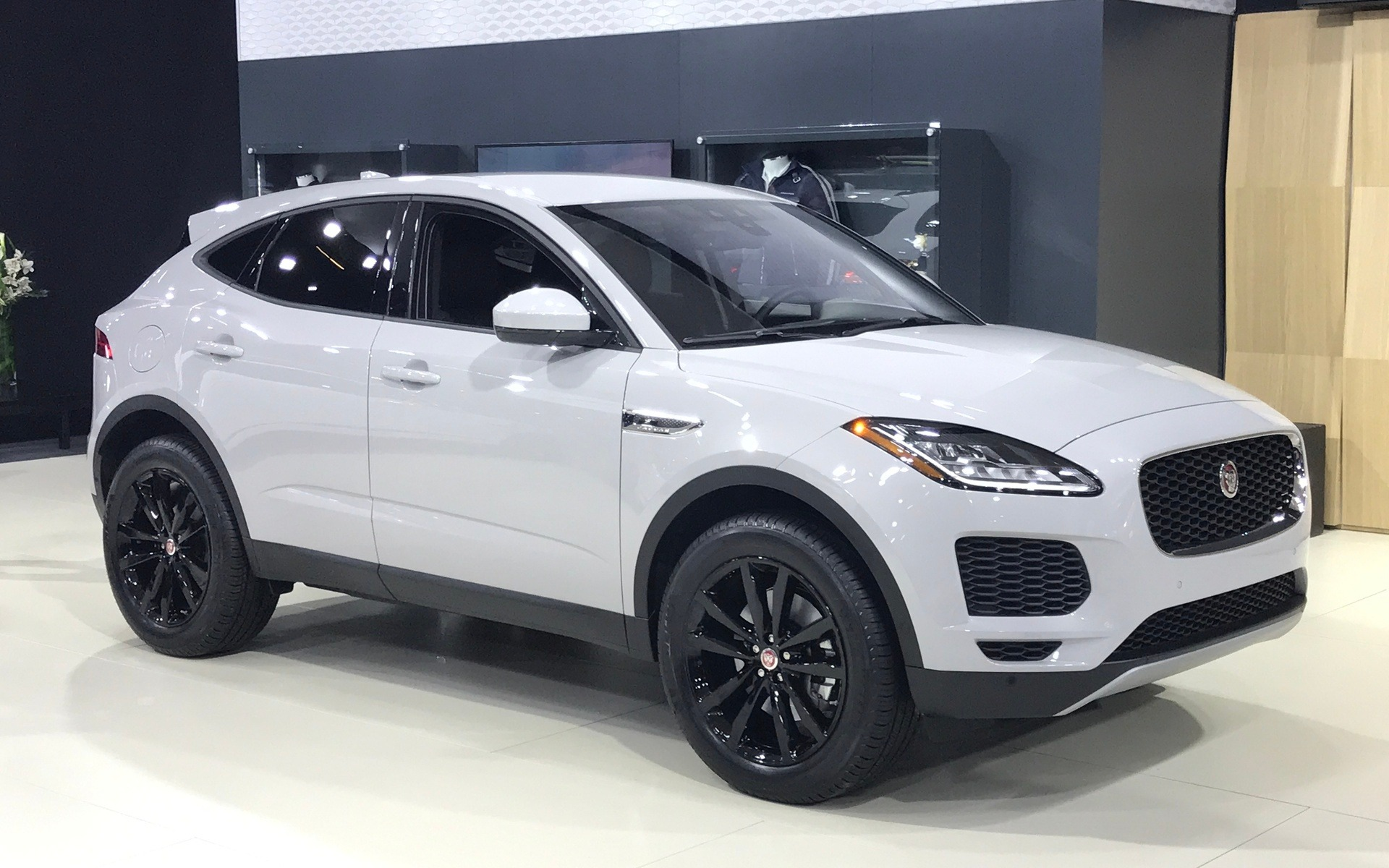 canadian premiere 2018 jaguar e pace brings style and power to the small suv segment the car. Black Bedroom Furniture Sets. Home Design Ideas