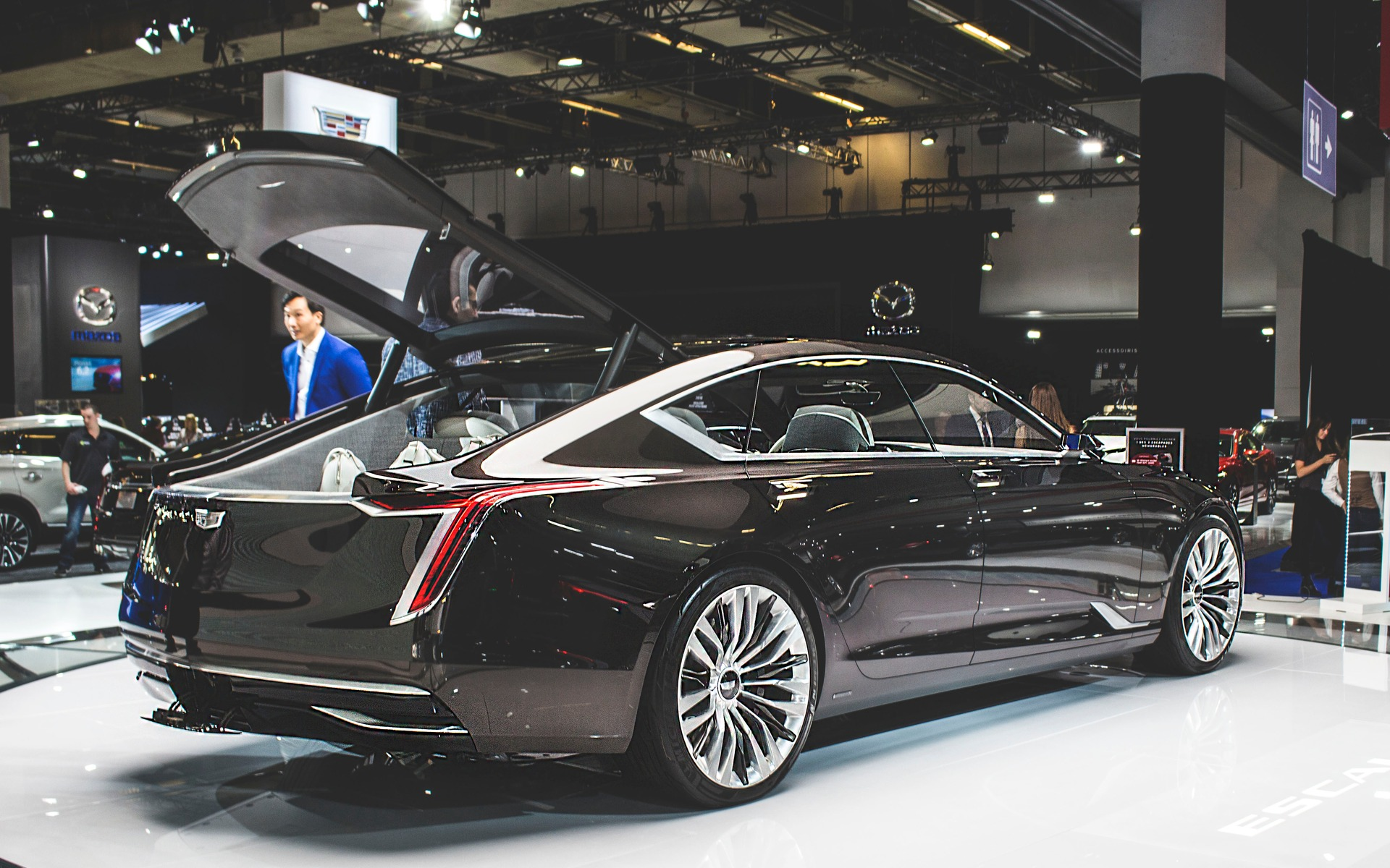 Cadillac escala for Salon de l auto 2018