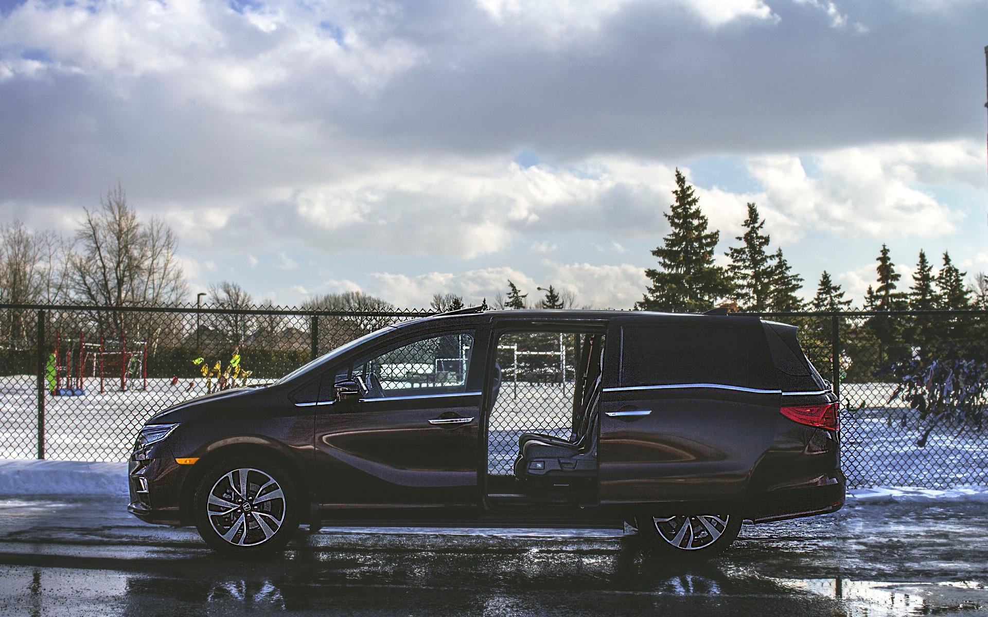 Minivan that looks like suv