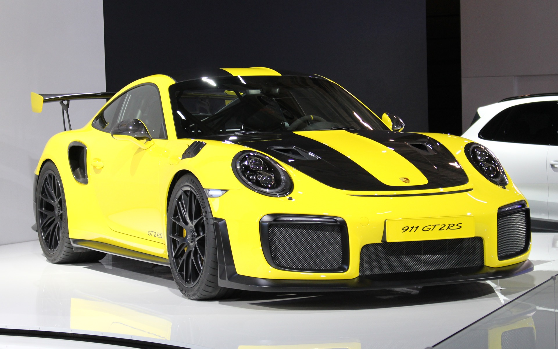la porsche 911 gt2 rs 2018 pr sent e toronto guide auto. Black Bedroom Furniture Sets. Home Design Ideas