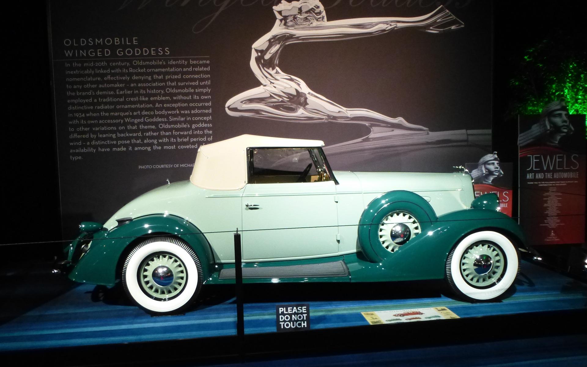 <p>Oldsmobile L33&nbsp;1933</p>