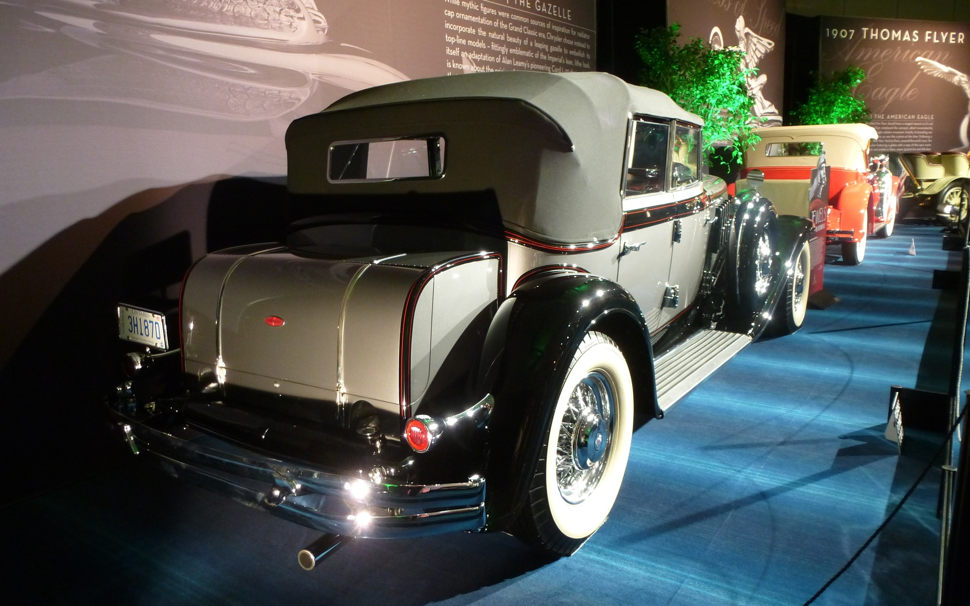 <p>Chrysler Imperial 1932</p>
