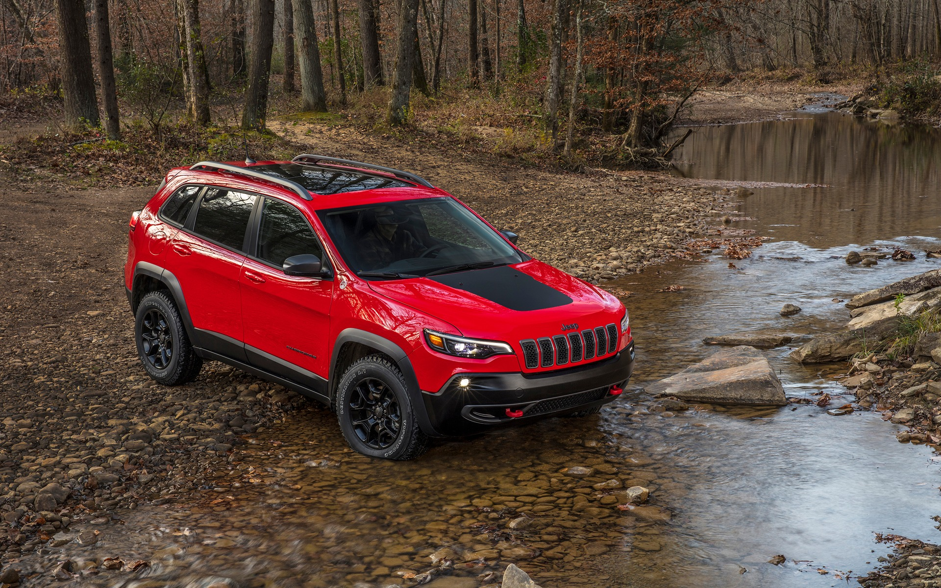 Lifted Jeep Renegade >> 2019 Jeep Cherokee: Turbo or V6? - The Car Guide