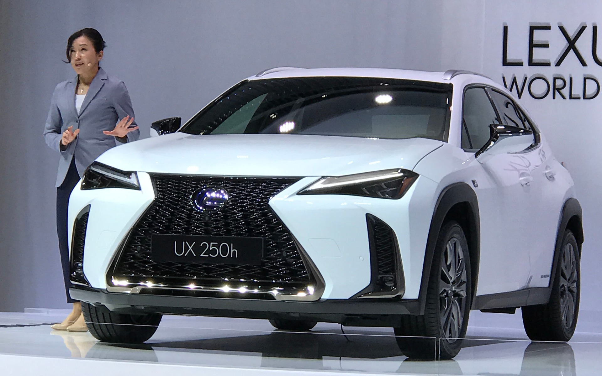 2019 Lexus Ux The Brand S New Entry Level Suv Is Coming