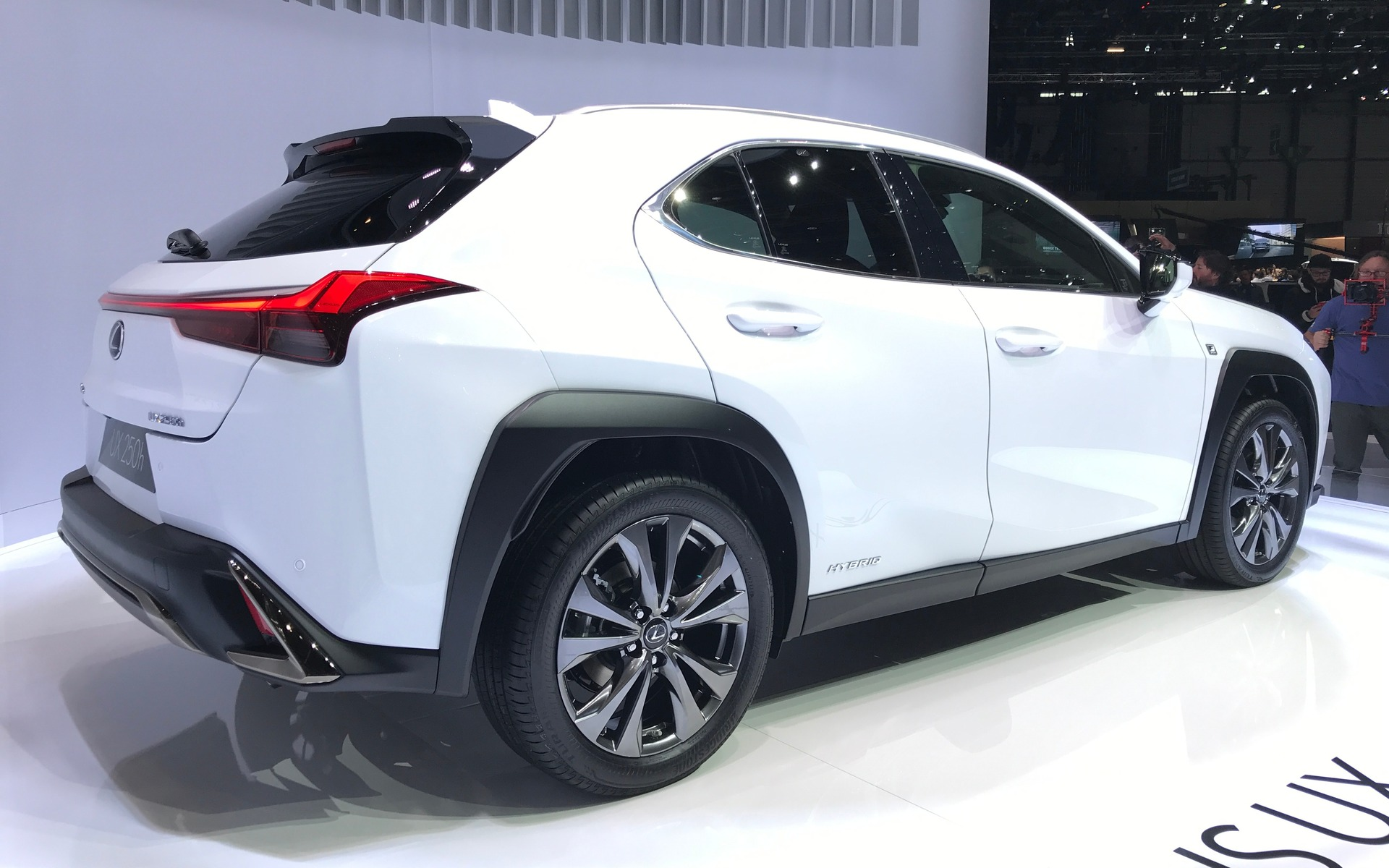 lexus ux revscene automotive forum. Black Bedroom Furniture Sets. Home Design Ideas