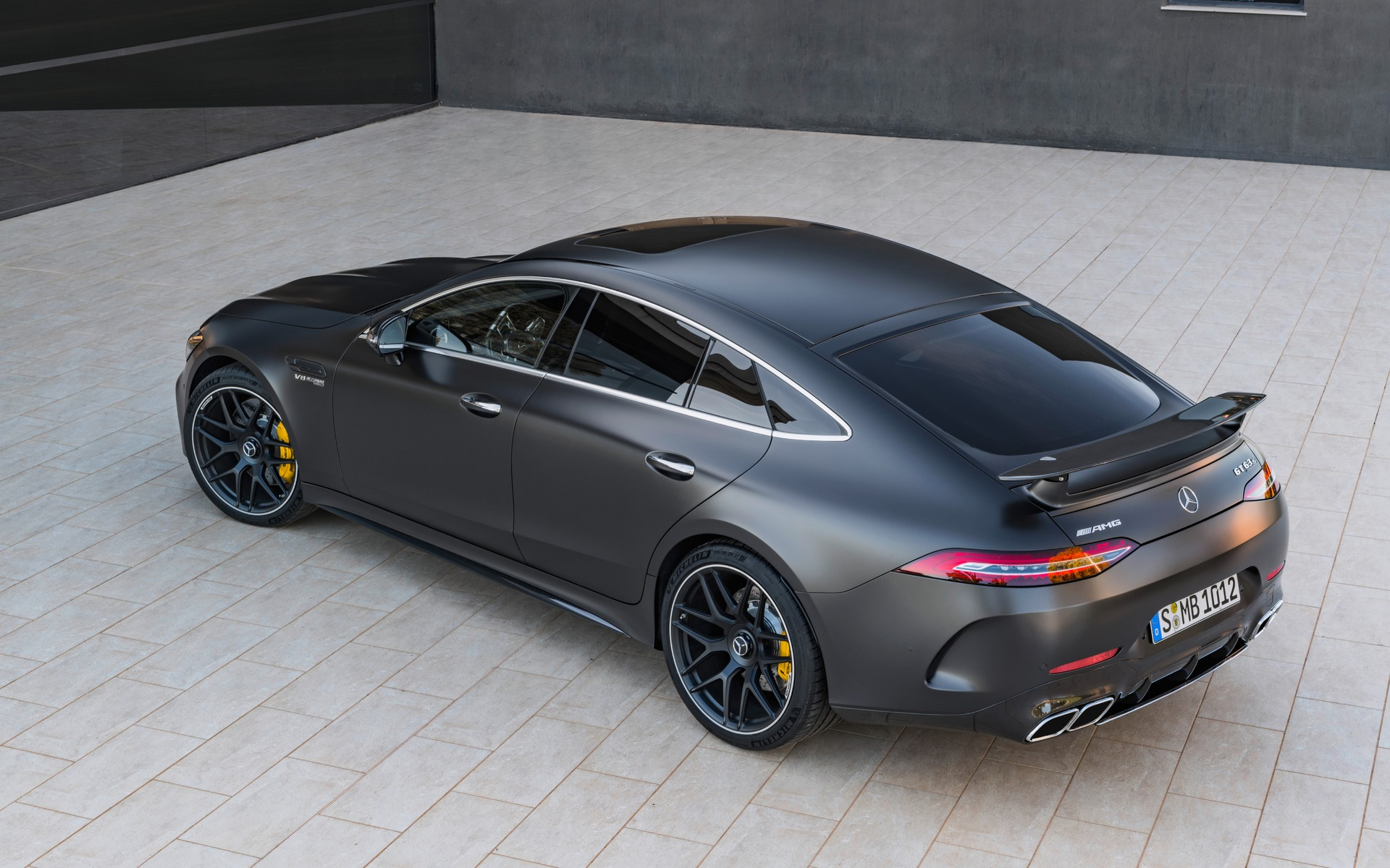 <p>Mercedes-AMG GT 63 S 4MATIC+ 2019</p>
