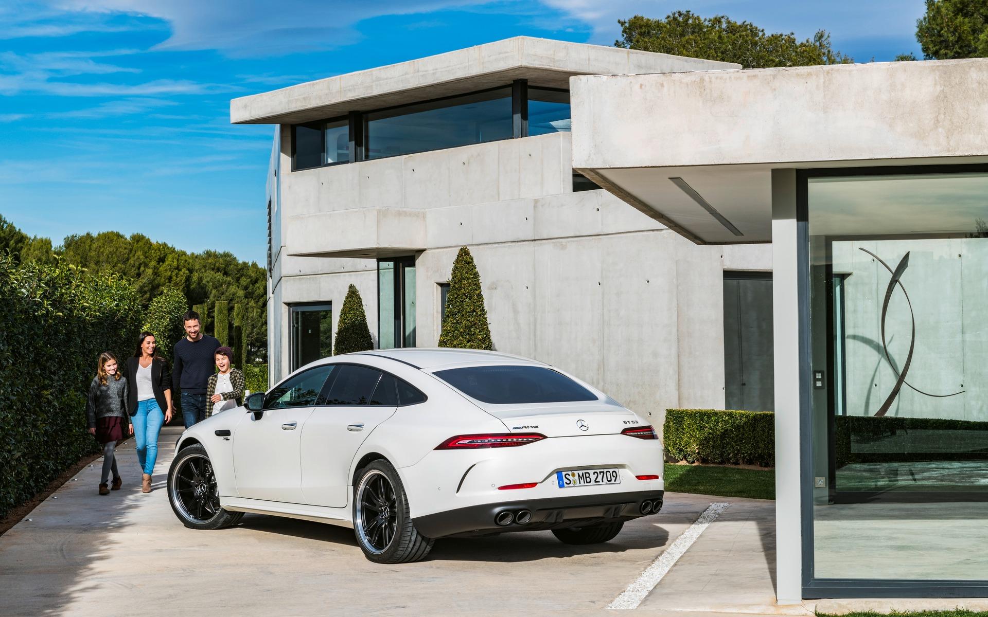 <p>Mercedes-AMG GT 53 4MATIC+ 2019</p>