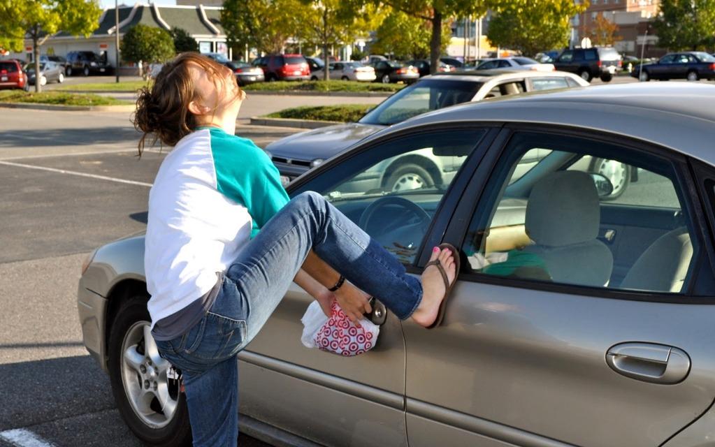 j 39 ai laiss mes clefs dans ma voiture que faire guide auto. Black Bedroom Furniture Sets. Home Design Ideas