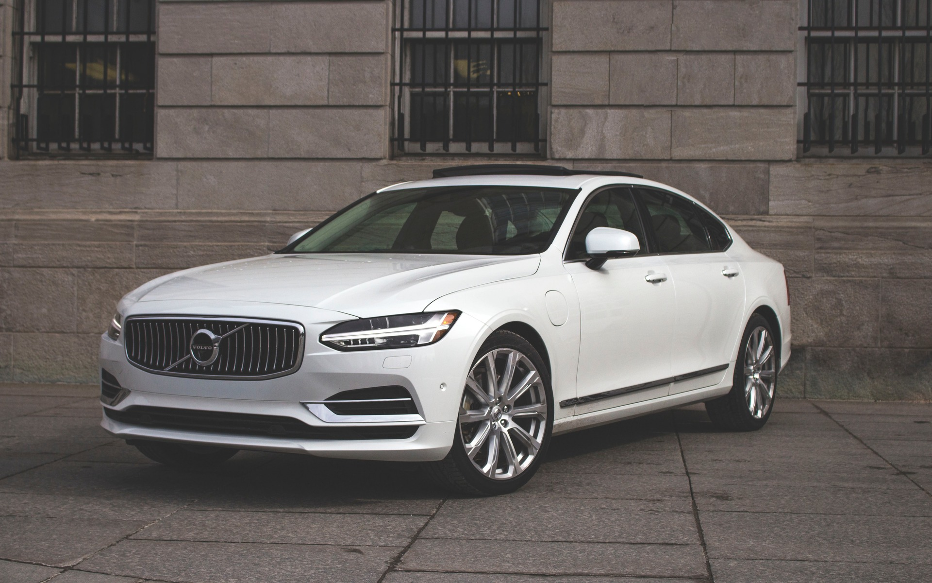 2018 volvo s90 t8 keeping the quirkiness on point the car guide. Black Bedroom Furniture Sets. Home Design Ideas