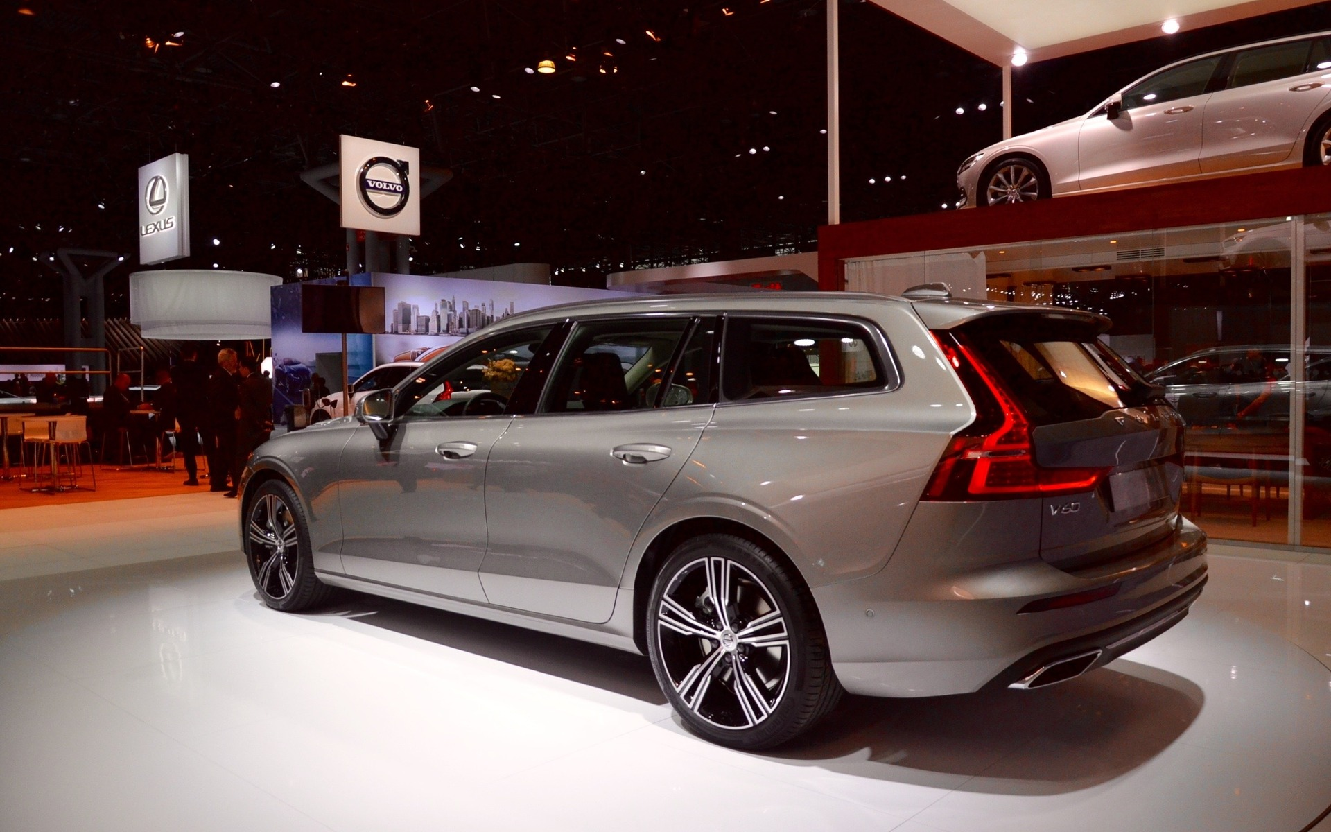 2019 volvo v60 and 2019 volvo xc40 inscription north american premieres in new york 4 20. Black Bedroom Furniture Sets. Home Design Ideas