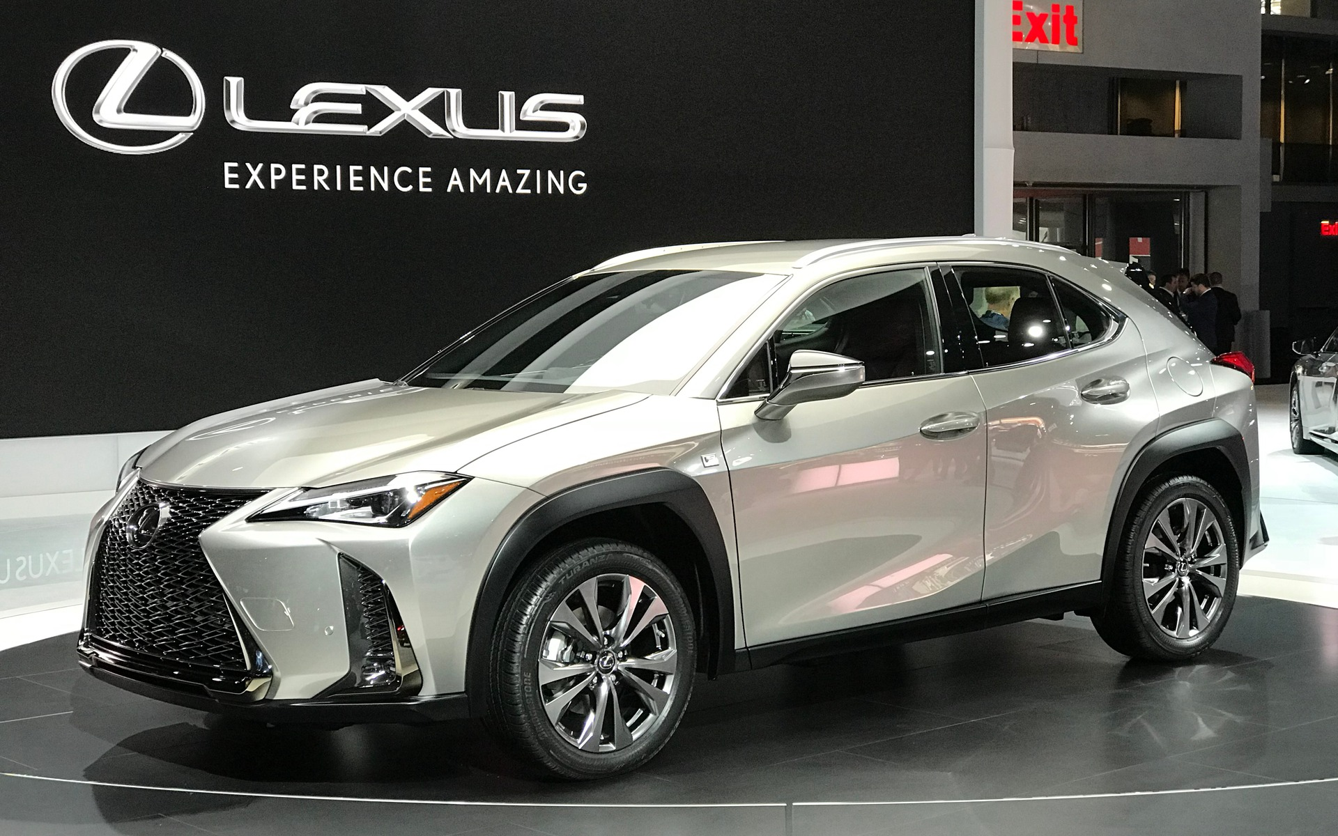 le vus compact lexus ux 2019 en premi re nord am ricaine guide auto. Black Bedroom Furniture Sets. Home Design Ideas