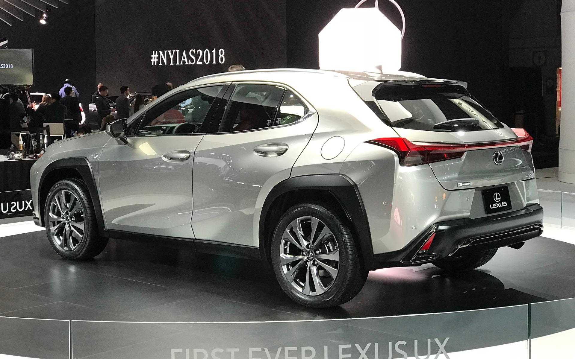 <p>Lexus UX 250h F SPORT 2019</p>