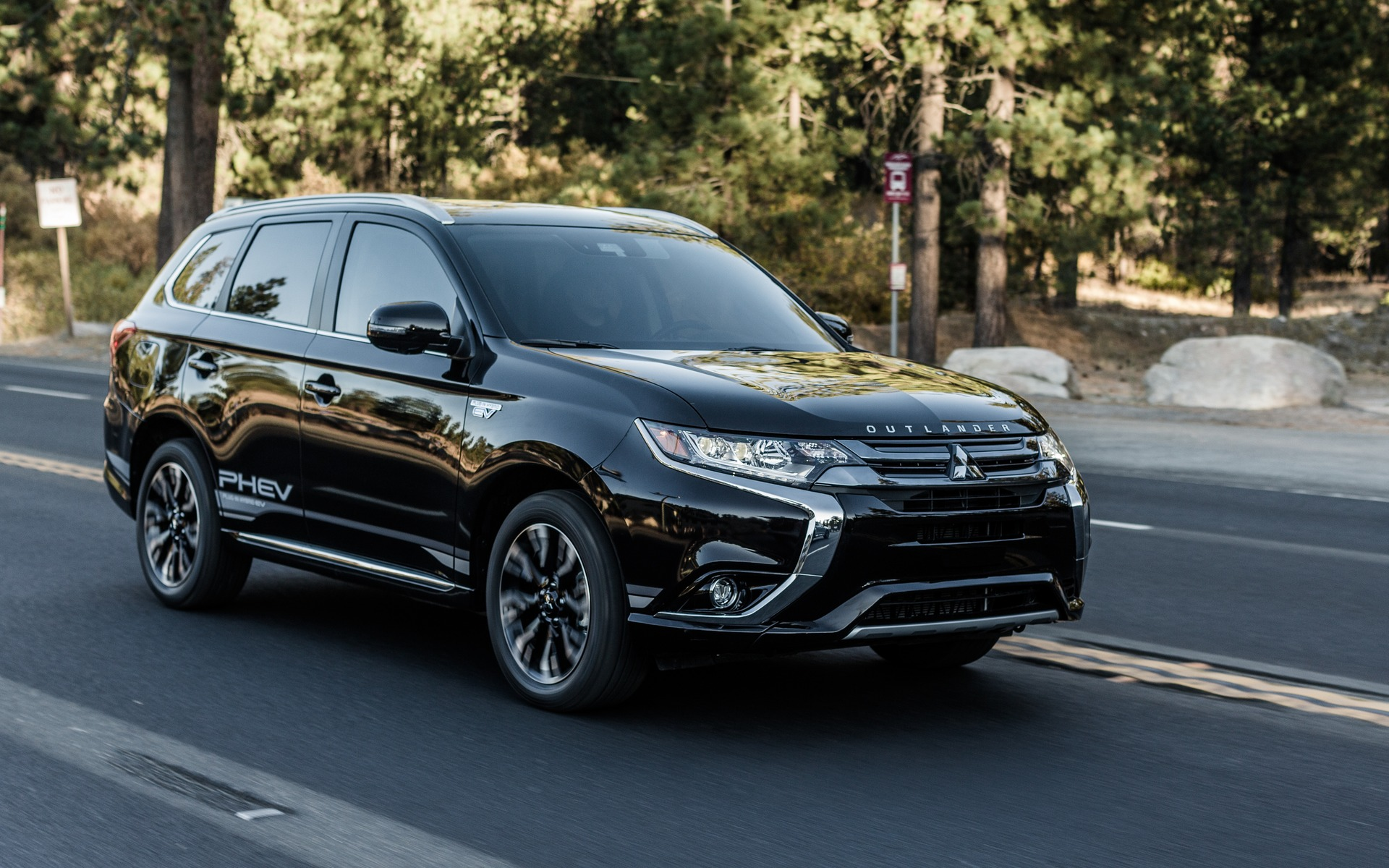 <p>The Mitsubishi Outlander PHEV has been well received so far in 2018.</p>