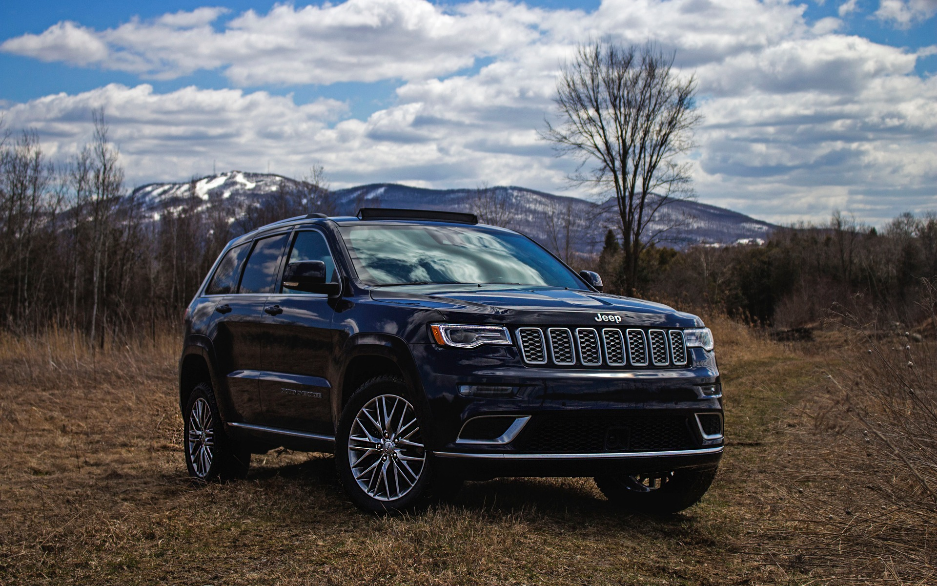 2018 jeep grand cherokee summit american character meets. Black Bedroom Furniture Sets. Home Design Ideas