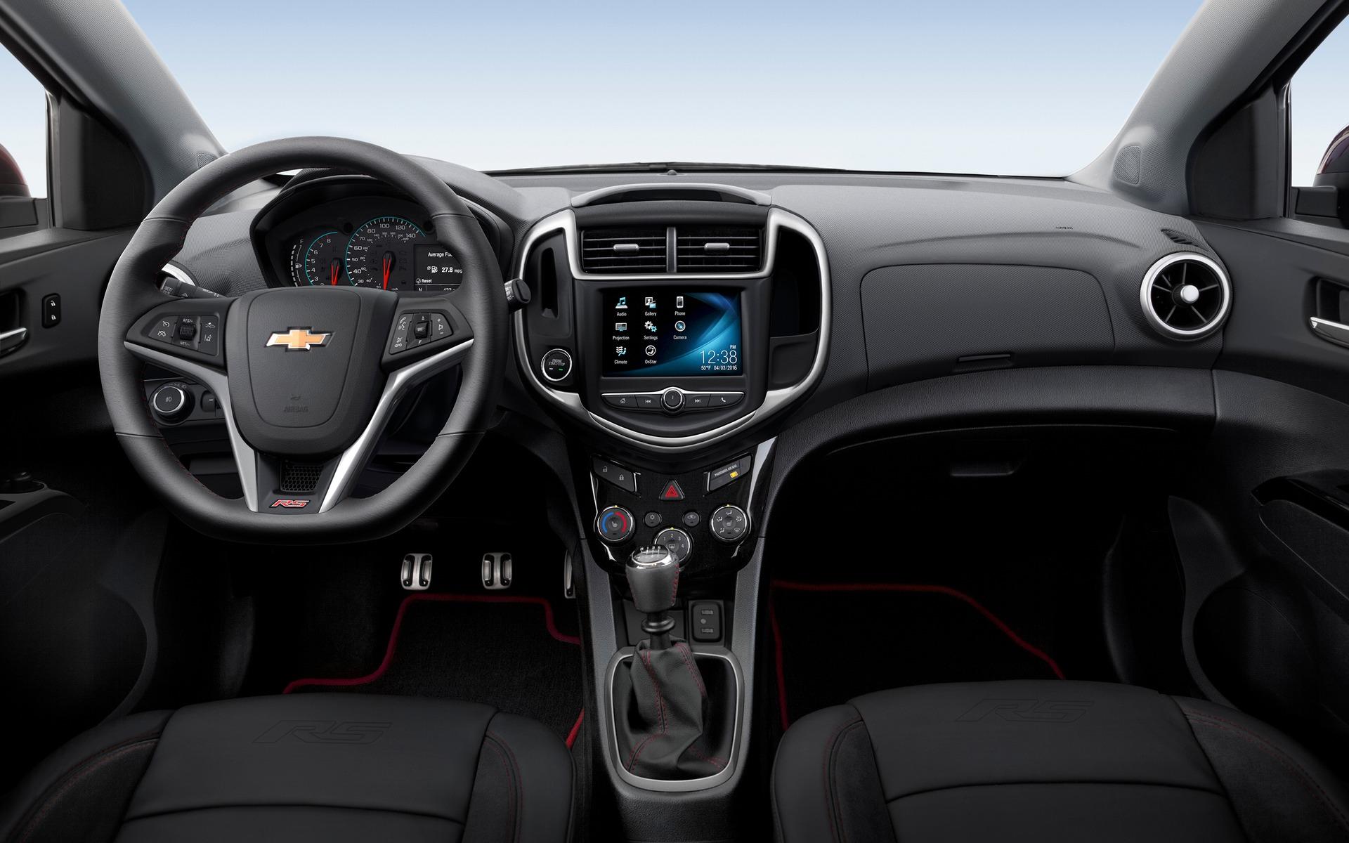 <p>Int&eacute;rieur de la Chevrolet Sonic</p>