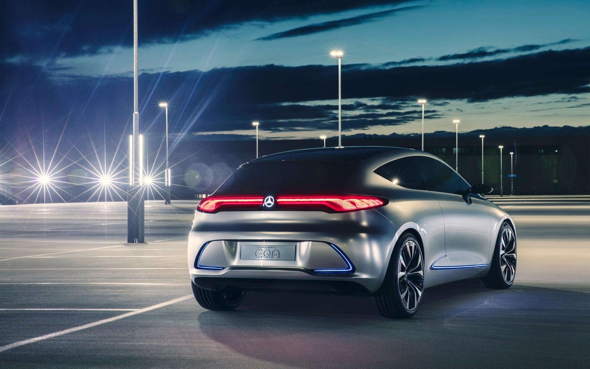 <p>Mercedes-Benz Concept EQA, vue arrière</p>